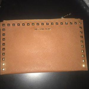 Michael Kors Wallet Clutch *damaged
